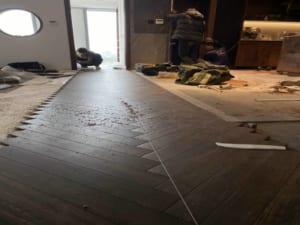 cách thi công sàn gỗ công nghiệp, báo giá thi công sàn gỗ,