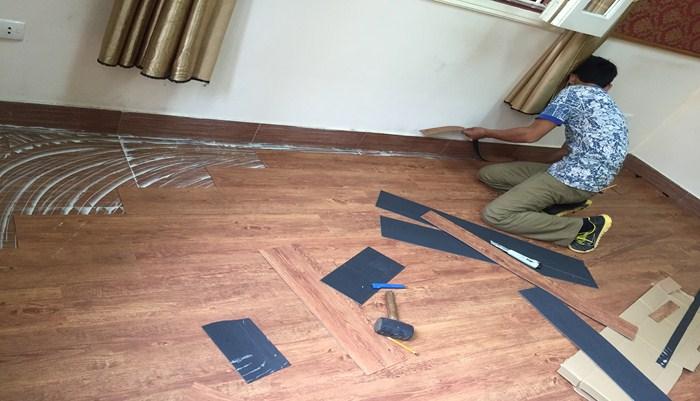 Thợ làm sàn nhựa tại Hà Nội, thanh lý sàn nhựa giả gỗ giá rẻ tại hà nội, báo giá sàn nhựa vân giả gỗ tại hà nội,