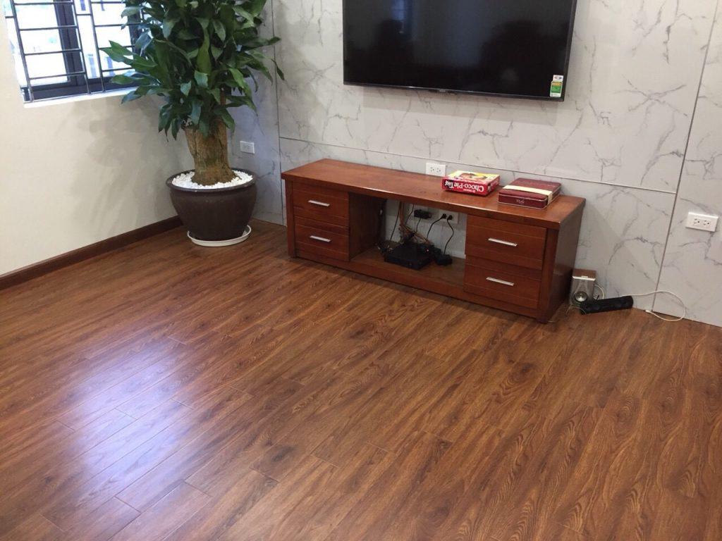 thanh lý sàn nhựa vân gỗ, sàn nhựa hèm khóa hàn quốc, báo giá sàn nhựa thanh lý,
