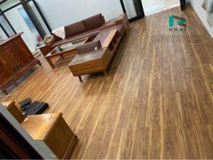 ván sàn nhựa vân giả gỗ, bao giá sàn nhựa vân gỗ, thi công sàn nhựa giả gỗ giá rẻ,