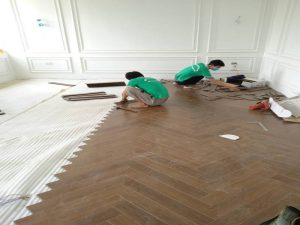 thi công sàn nhựa giả gỗ có hèm khóa, báo giá sàn nhựa hèm khóa 4mm,